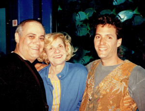 Esther and Victor Cohen in 1993 with writer Jonathan Greenberg